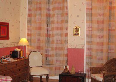 Chambre du couple : chaleureuse et calme
