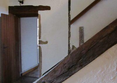 Une porte permet d'entrer dans le salon et la SAM