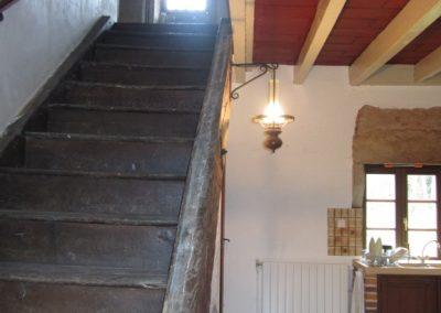 Cuisine et montée d'escalier